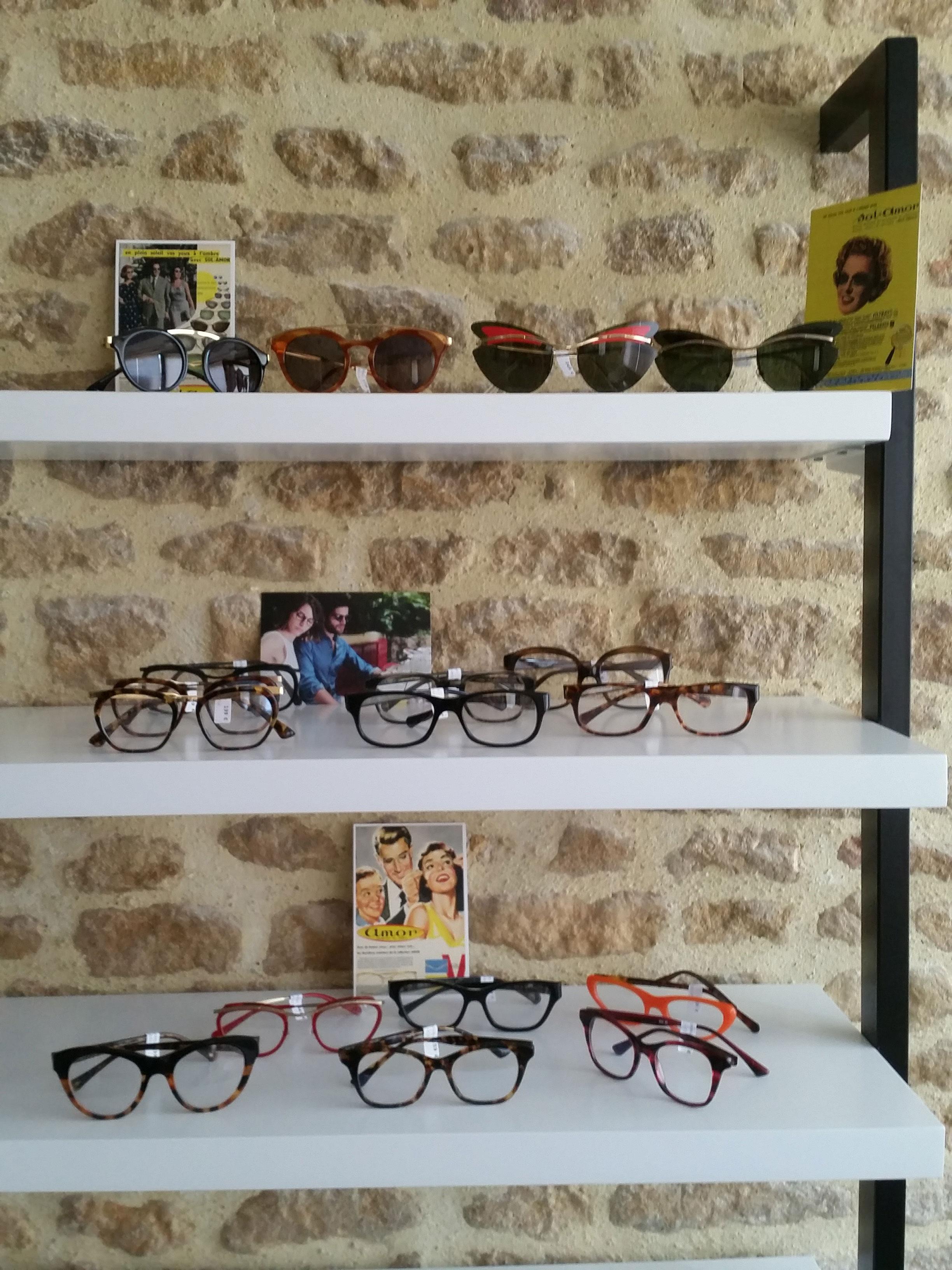 Gamme de lunettes d'Anna Sam